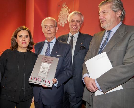 SORAYA SAENZ DE SANTAMARÍA PRESIDE LA PRESENTACIÓN DEL LIBRO SOBRE EL HOMENAJE UNIVERSAL AL IDIOMA ESPAÑOL