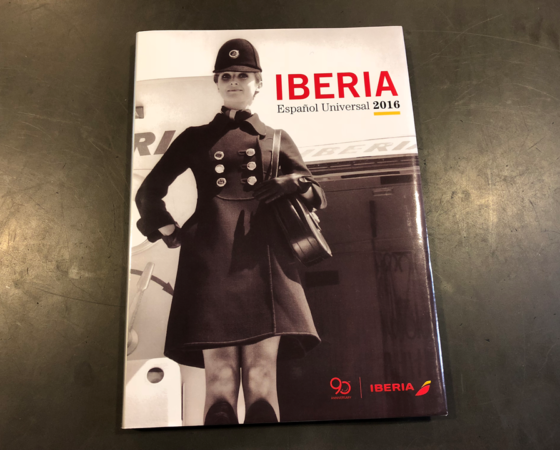"LIBRO IBERIA LÍNEAS AEREAS ""ESPAÑOL UNIVERSAL"" 2016"