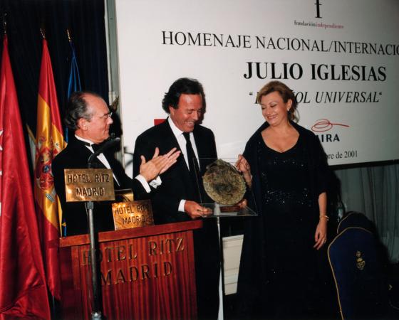 """JULIO IGLESIAS """"ESPAÑOL UNIVERSAL"""" 2001"""