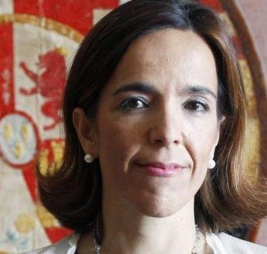 Dña. Lourdes Centeno Huerta