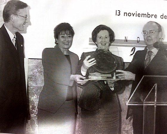 "MARGARITA SALAS ""ESPAÑOL UNIVERSAL"" 2000"