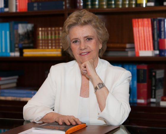 Tribuna Independiente Excma. Sra. Dña. Soledad Becerril Bustamante    Defensora del Pueblo