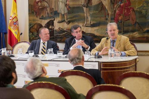 Regeneración de los poderes políticos y económicos