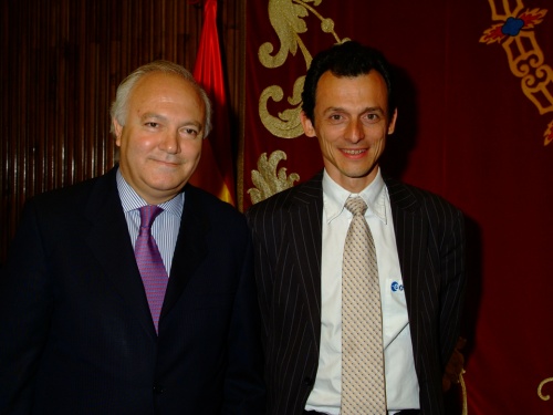 Miguel Ángel MoratinosPedro Duque